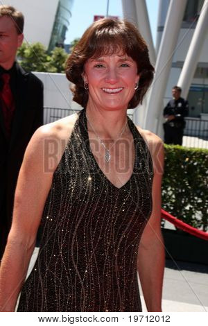 LOS ANGELES - AUG 21: Bonnie BLair kommt in die kreative Primetime Emmy Awards 2010 bei Nokia Thea