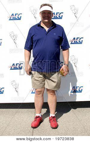 LOS ANGELES - 20 SEP: Andy Richter llega en el 2010 de torneo de Golf de ATAS en Club de Golf privado en