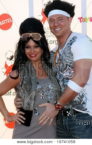 LOS ANGELES - OCT 30:  Melissa Rycroft, Tye Strickland arrive at the 17th Annual Dream Halloween benefiting CAAF at Barker Hanger on October 30, 2010 in Santa Monica, CA