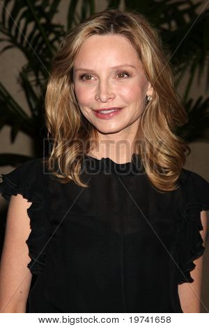 LOS ANGELES - OCT 29:  Calista Flockhart arrives at the Peace Over Violence Event at Beverly Hills Hotel on October 29, 2010 in Beverly Hills, CA