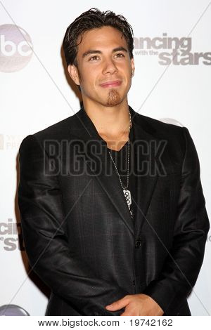 LOS ANGELES - NOV 1:  Apolo Anton Ohno  arrives at the Dancing With The Stars 200th Show Party at Boulevard3 on November 1, 2010 in Los Angeles, CA