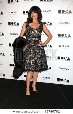 LOS ANGELES - 13 de NOV: Rosetta Getty chega no baile anual de Gala do MOCA