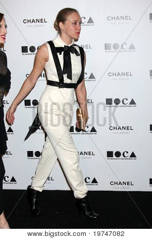 LOS ANGELES - NOV 13:  Chloe Sevigny  arrives at the MOCA's Annual Gala