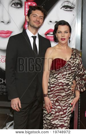 LOS ANGELES - NOV 15:  Debi Mazar arrives at the