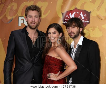 LOS ANGELES - DEC 6:  Charles Kelley, Hilary Scott, Dave Haywood of Lady Antebellum arrives at the 2010 American Country Awards at MGM Grand Garden Arena on December 6, 2010 in Las Vegas, NV.