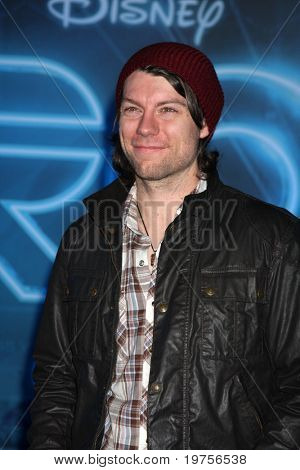LOS ANGELES - DEC 11:  Patrick Fugit  arrives at the