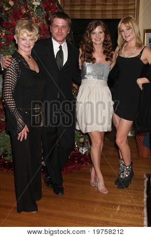 LOS ANGELES - DEC 11:  Marie Tom, David Tom, Heather Tom, Nicholle Tom at Heather Tom's Annual Christmas Party 2010 at Private Home on December 11, 2010 in Glendale, CA.
