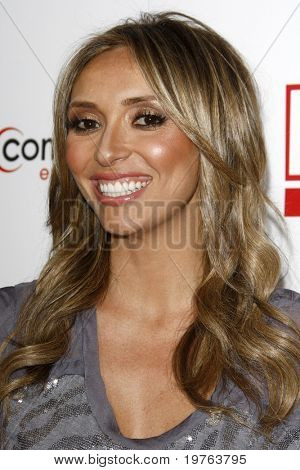 LOS ANGELES - JAN 5:  Giuliana Rancic arrives at the Comcast Entertainment Group Television Critics Association Cocktail Reception at Langham Hotel on January 5, 2011 in Los Angeles, CA