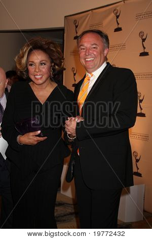 LOS ANGELES - JAN 20:  Diahann Carroll arrives at the ATASHall of Fame Committe's 20th Annual Induction Gala at Beverly HIlls Hotel on January 20, 2011 in Beverly Hills, CA