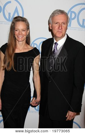 BEVERLY HILLS - JAN 22:  Suzy Amis, James Cameron arrives at the 22nd Annual Producers Guild Awards at Beverly Hilton Hotel on January 22, 2011 in Beverly Hills, CA
