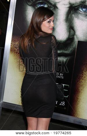 LOS ANGELES - JAN 26:  Torrey DeVitto arrives at