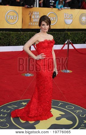 LOS ANGELES - JAN 30:  Tina Fey arrives at the 2011 Screen Actors Guild Awards  at Shrine Auditorium on January 30, 2011 in Los Angeles, CA