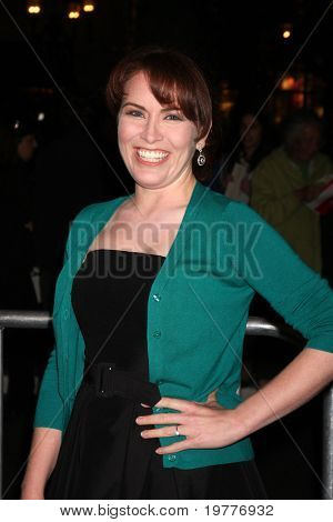 LOS ANGELES - FEB 1:  Crista Flanagan arrives at the