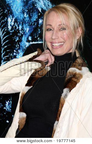 LOS ANGELES - 31 de janeiro: Fiona Horne chega na estréia de