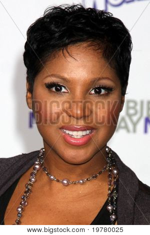 LOS ANGELES - FEB 8:  Toni Braxton arrives at the