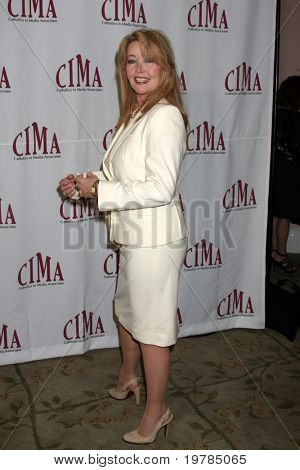 LOS ANGELES - FEB 20:  Melody Thomas Scott arrives at the 2011 Catholics in Media Associates Award Brunch  at Beverly HIlls Hotel on February 20, 2011 in Beverly Hills, CA