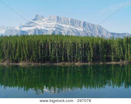Reflexión de Monte Rundle