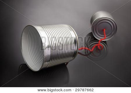 teléfonos de latas
