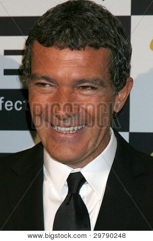 LOS ANGELES - FEB 7:  Antonio Banderas arrives at the 10th Annual Visual Effects Society Awards at Beverly Hilton Hotel on February 7, 2012 in Beverly Hills, CA