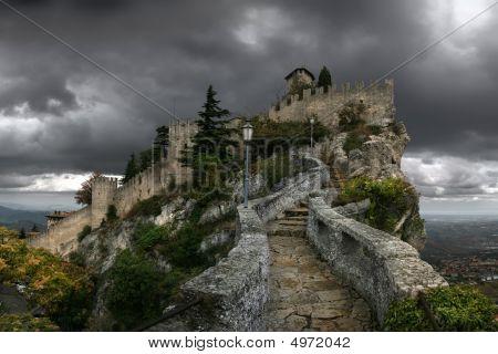 Castle Cesta (la Rocca)