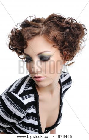 Modern Curly Hairstyle