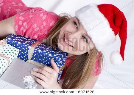 Sra. Santa cláusula con regalos de año nuevo