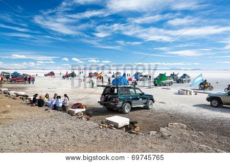 Tourists At The Uyuni Salt Flats