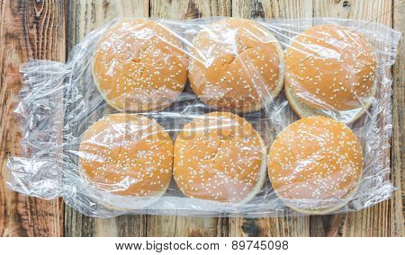 A pack of hamburger buns