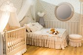 image of bassinet  - Room for parents and children - JPG
