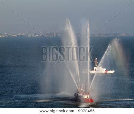Sffd Fireboat Sprays Water Into The Air To Celebrate The Start Of Game