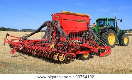 Vaderstad Spirit 600C Seed Drill And John Deere 7340 Tractor