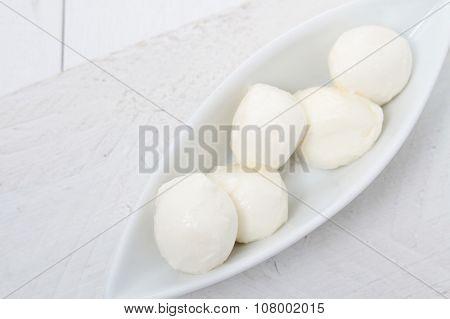 mini mozzarella cheese