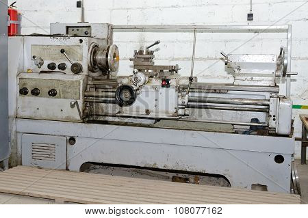 Old Soviet Screw-cutting Lathe