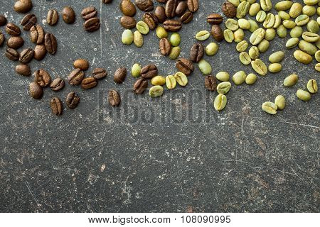 top view of unroasted and roasted coffee beans