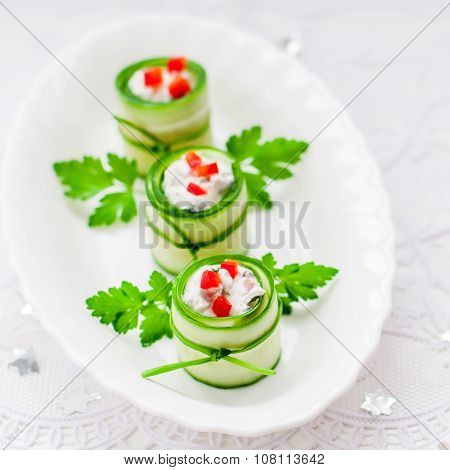 Cucumber Rolls Stuffed With Feta, Herbs, Capsicum And Black Olives