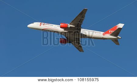 Boeing 757 Vim Airlines Takes Off