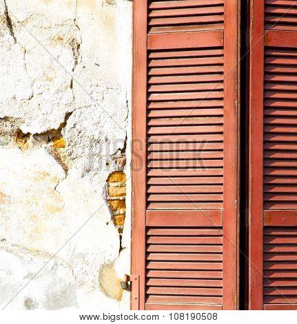 Red   Varano Borghi Palaces Italy