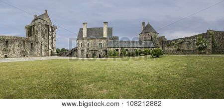 Chateau De Saint-sauveur-le-vicomte Panorama