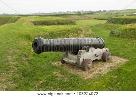 cannon with wooden wheels