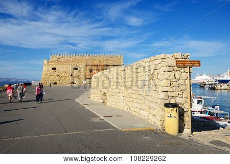 Heraklion, Greece - May 12: The Venetian Fortress Of Rocca Al Mare And Tourists On May 12, 2014 In H