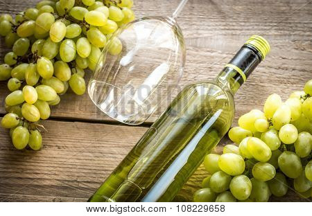 White Wine With Bunch Of Grape