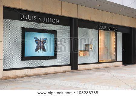 Louis Vuitton Luxury Store