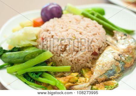 Fried Mackerel With Shrimp Paste Sauce (nam Prik Kapi Pla Too)