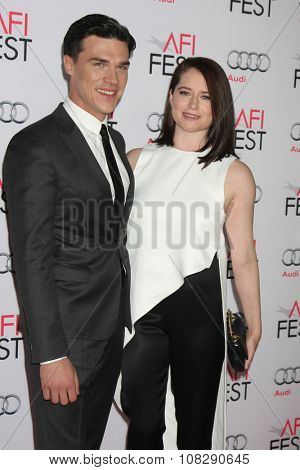 LOS ANGELES - NOV 12:  Finn Wittrock, Sarah Roberts at the AFI Fest 2015 - Presented by Audi - The Big Short Gala Screening at the TCL Chinese Theater on November 12, 2015 in Los Angeles, CA