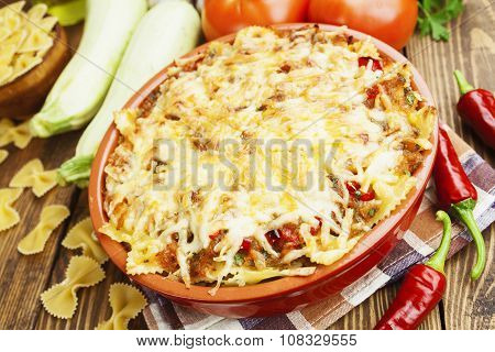 Baked Pasta With Vegetables And Chilli