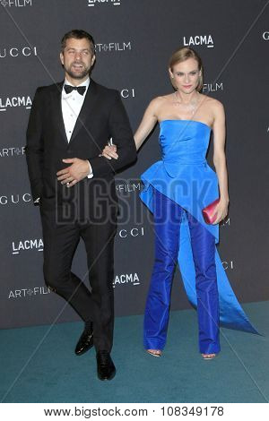 LOS ANGELES - NOV 7:  Joshua Jackson, Diane Kruger at the LACMA Art + Film Gala at the  LACMA on November 7, 2015 in Los Angeles, CA
