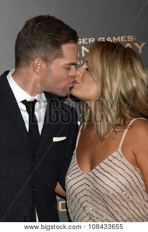 LOS ANGELES - NOV 16:  Wes Chatham, Jenn Brown at the
