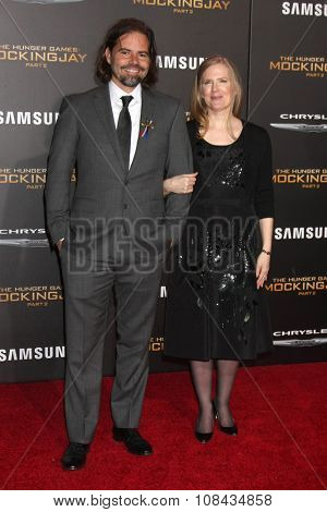 LOS ANGELES - NOV 16:  Peter Craig, Suzanne Collins at the
