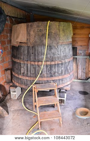 Classic Wood Wine Barrel