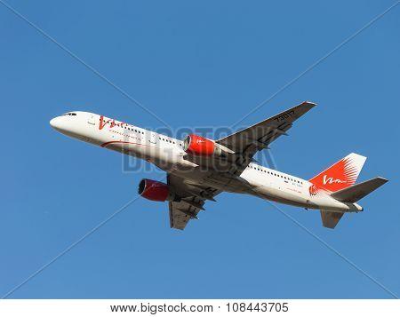 Passenger Boeing 757-230 Vim Airlines